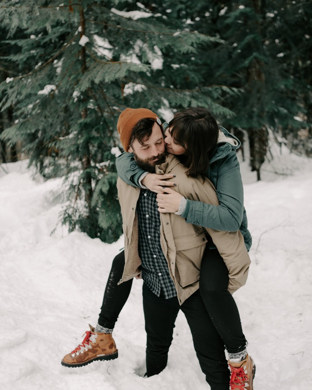Cute+couples+snow+photoshoot+in+Leavenworth+Washington