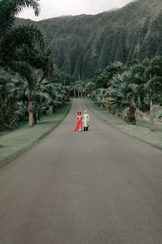 Engagement Photos Wearing Ao Dai Traditional Vietmanese Outfits at Hoomaluhia Botanical Gardens by Hawaii Wedding Photographer Desiree Leilani