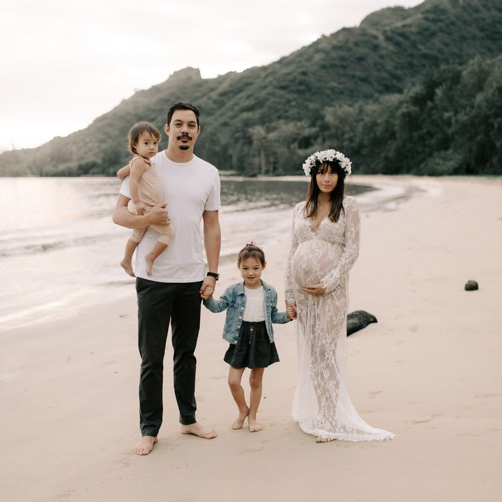Whimsical Maternity Session by Hawaii Family Photographer Desiree Leilani