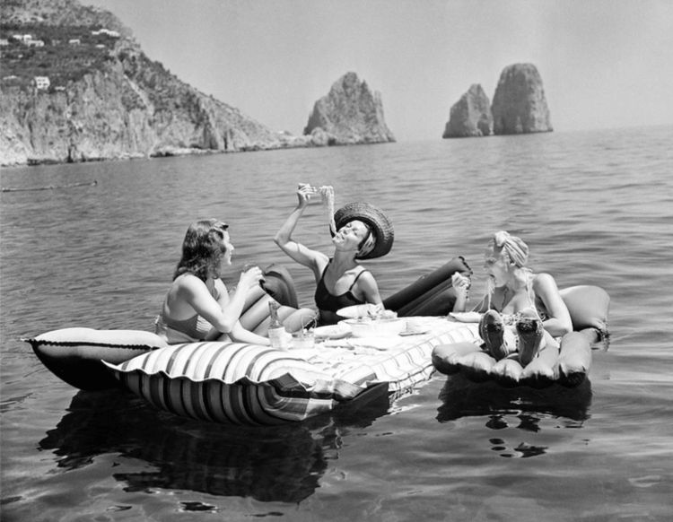 This photo: all that summer, all that pasta and all that rubber dinghy. Goals, guys. (Capri, Italy. 1939. Via Elizabeth Gilbert.)