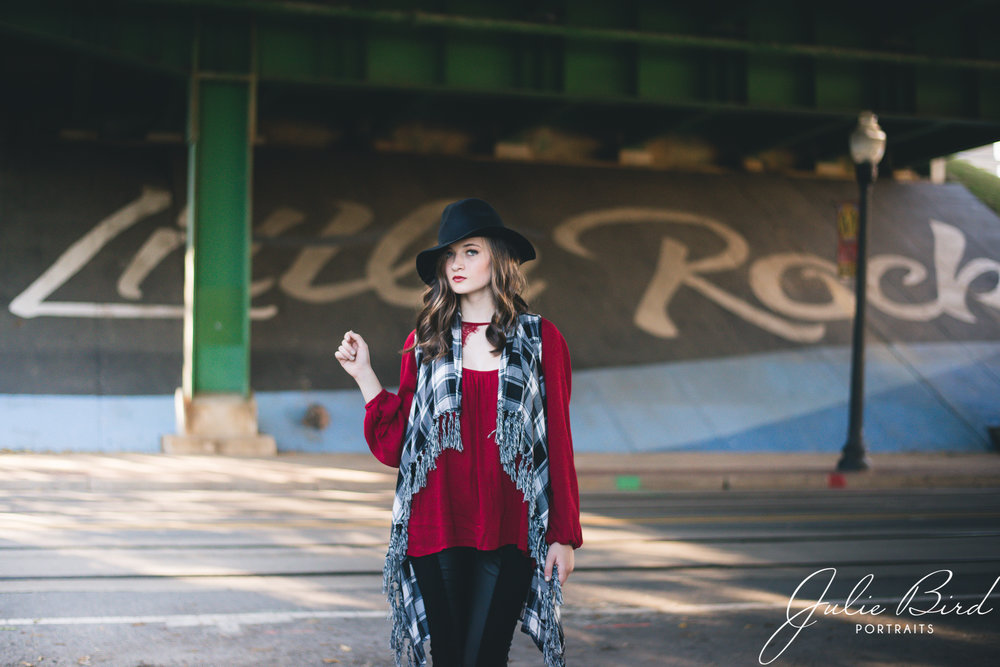 arkansas senior portrait photographer style what to wear