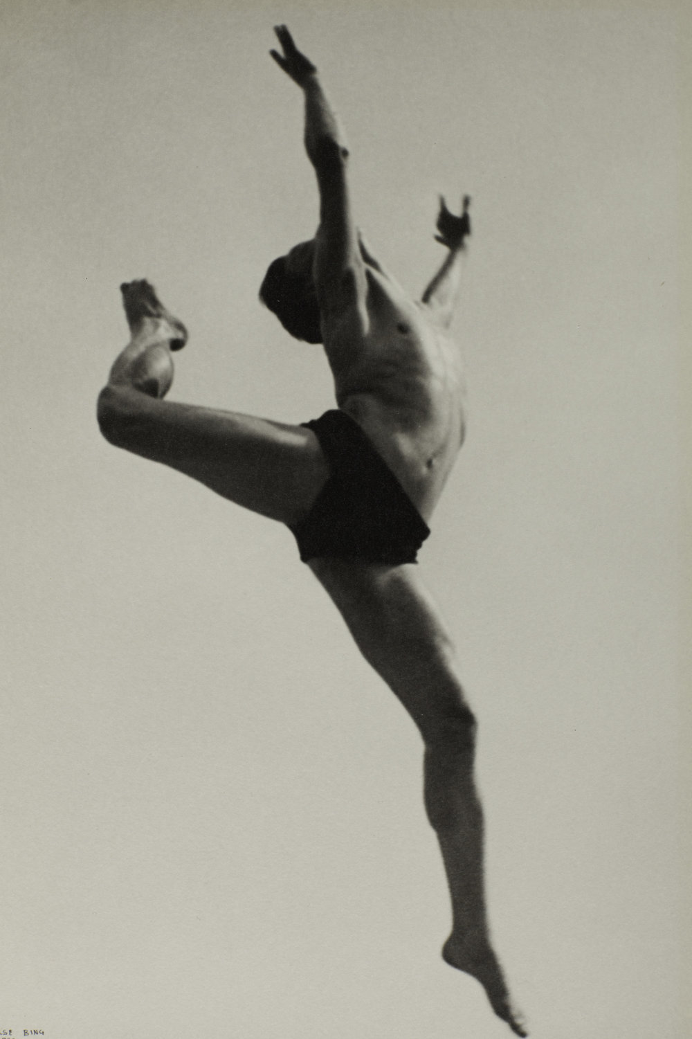Ilse Bing, Dancer, Willem van Loon, Paris, 1932, Photograph, gelatin silver print on paper, 276 x 184 mm, The Sir Elton John Photography Collection, © The Estate of Ilse Bing.
