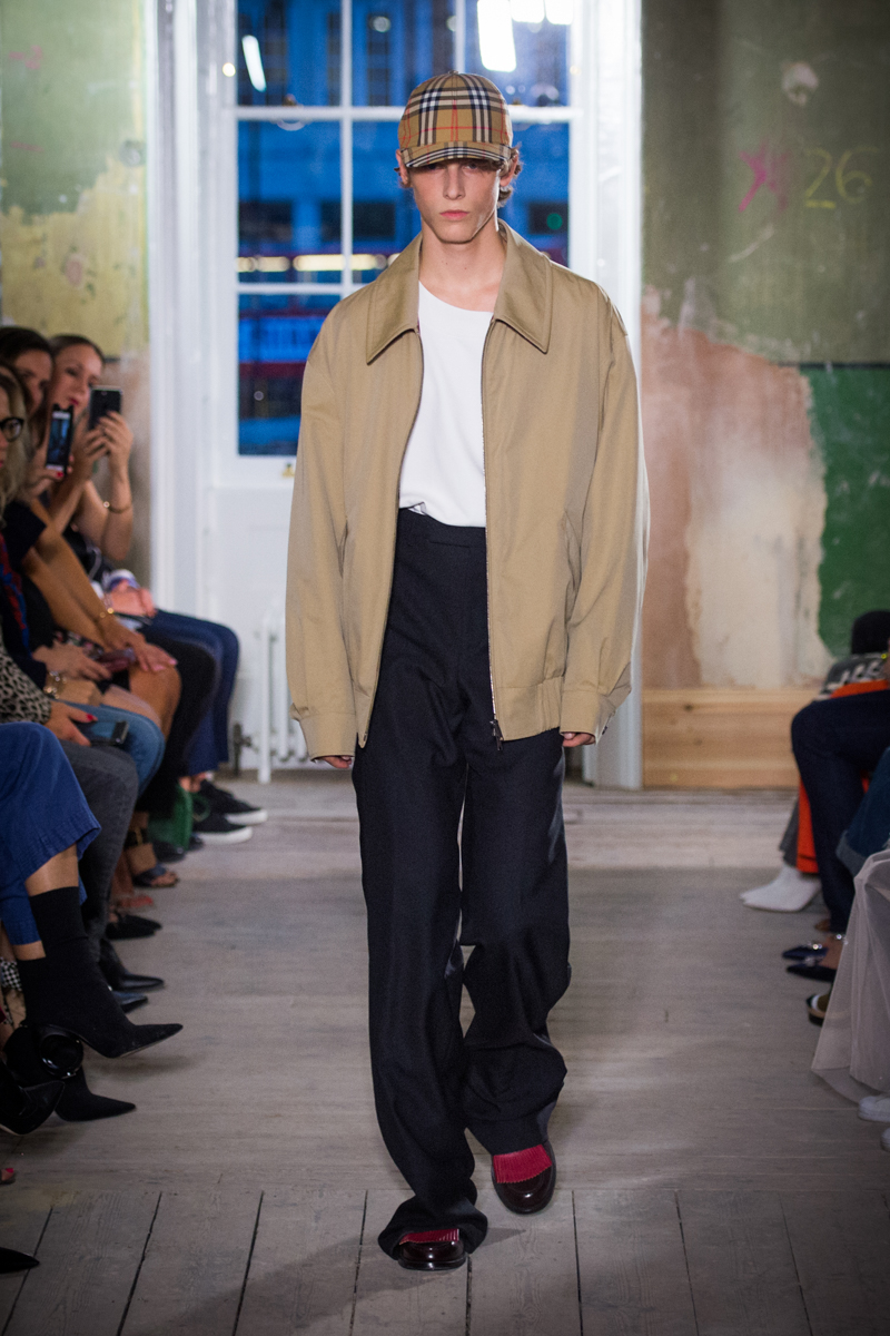 Burberry September 2017 Collection - Look 6_001.jpg