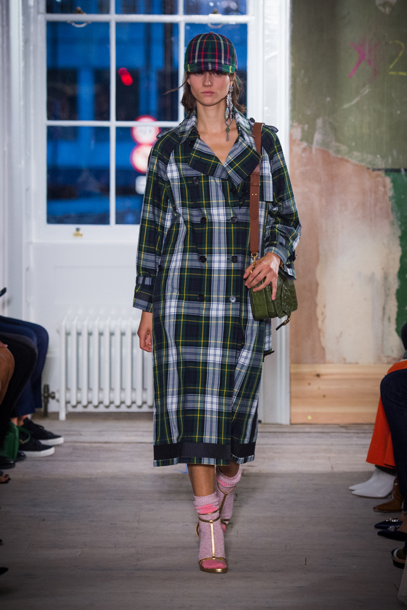 Burberry September 2017 Collection - Look 11_001.jpg