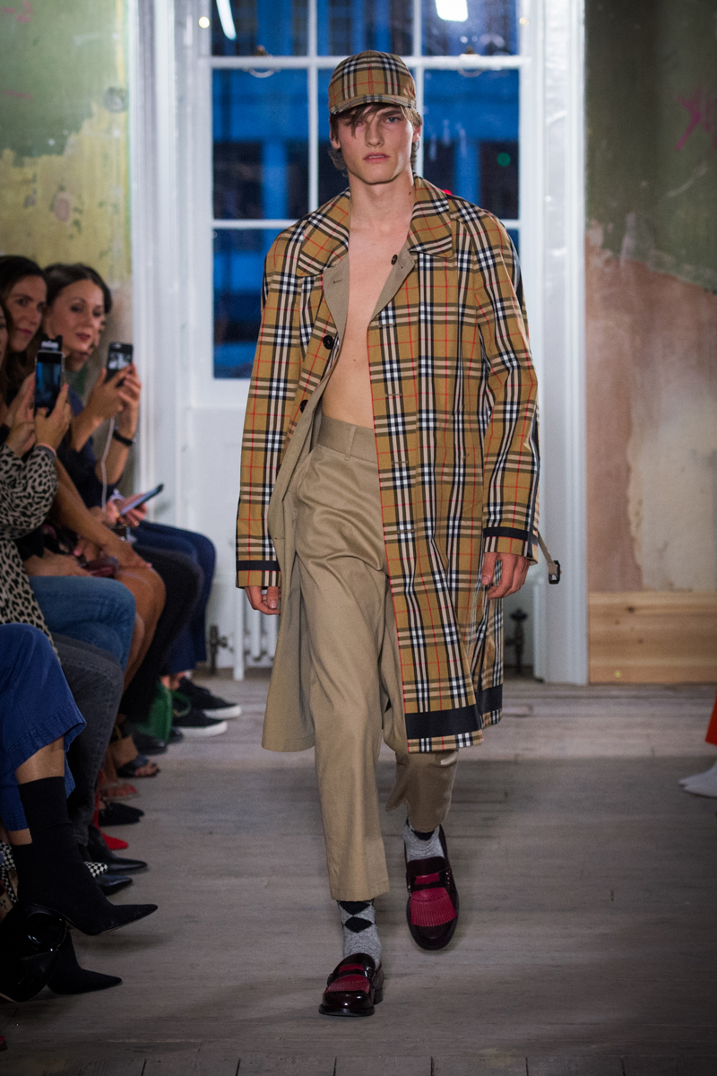 Burberry September 2017 Collection - Look 13_001.jpg