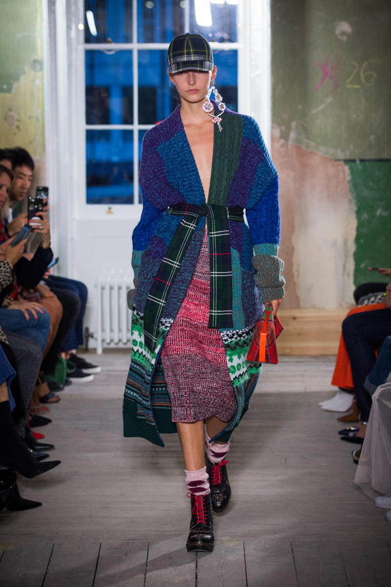Burberry September 2017 Collection - Look 15_001.jpg
