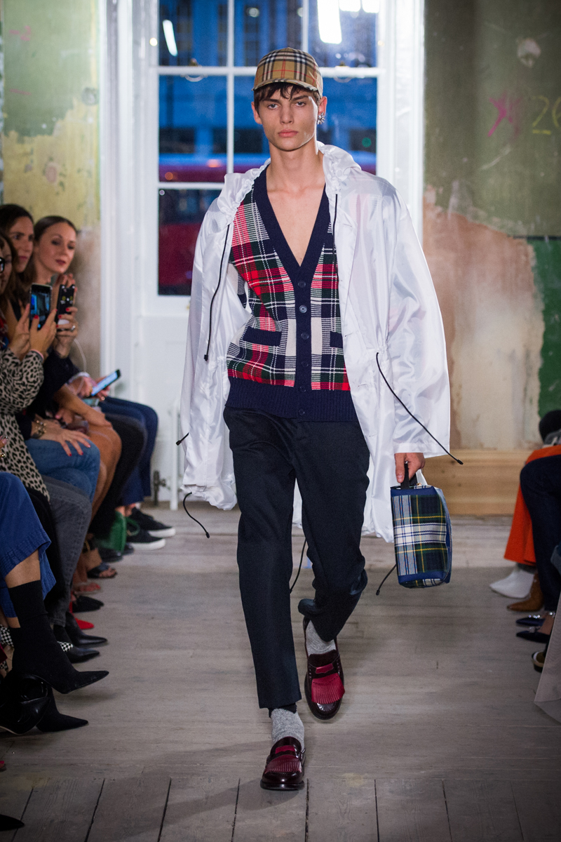 Burberry September 2017 Collection - Look 17_001.jpg