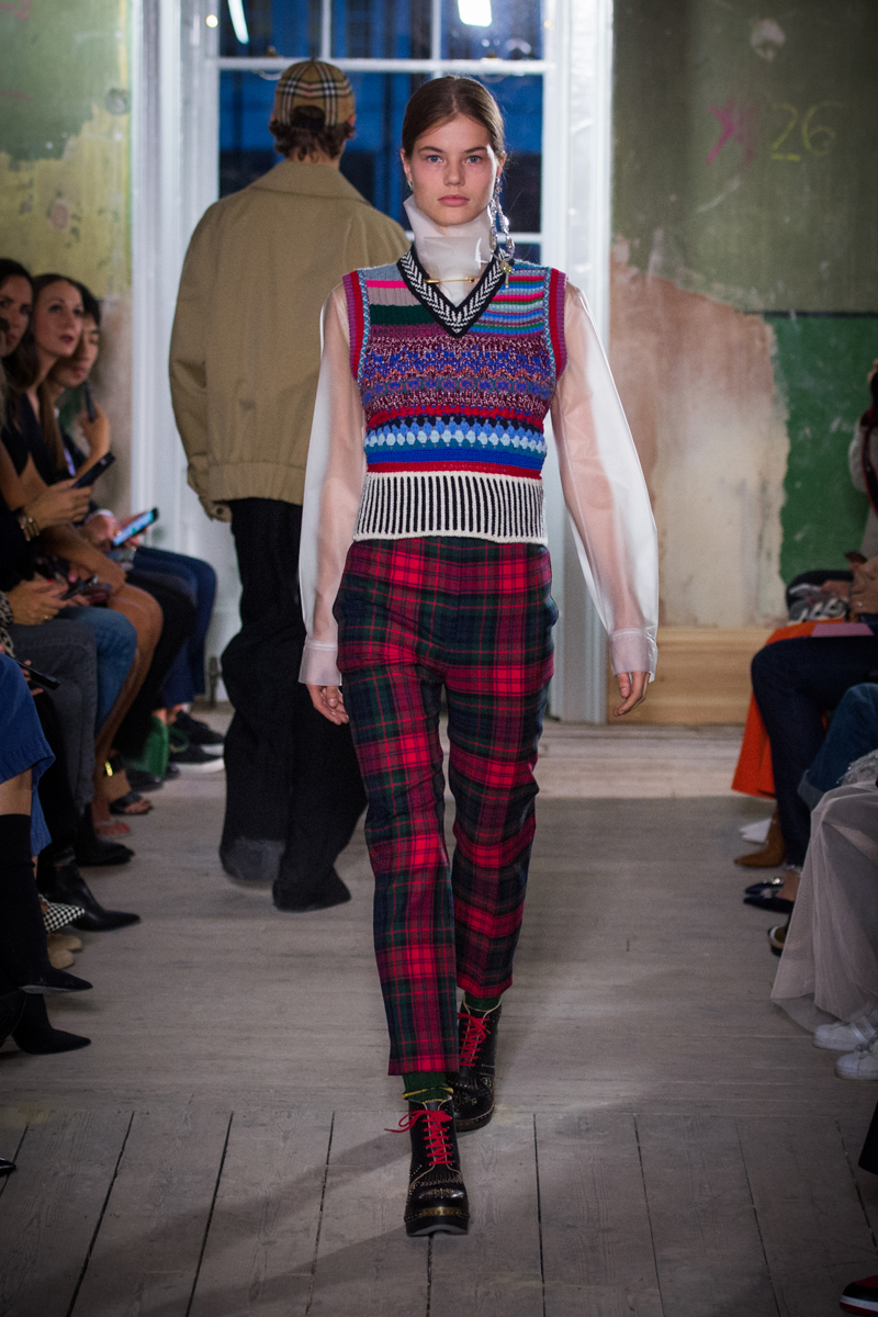 Burberry September 2017 Collection - Look 27_001.jpg