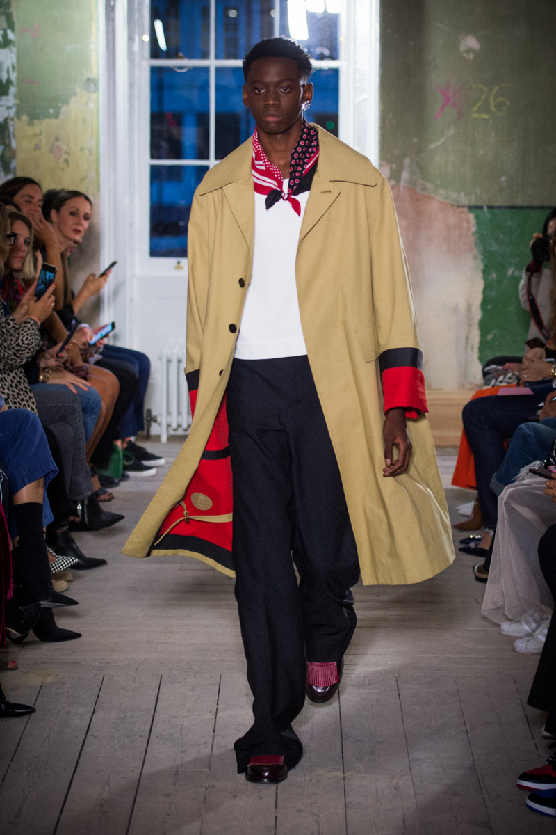 Burberry September 2017 Collection - Look 28_001.jpg