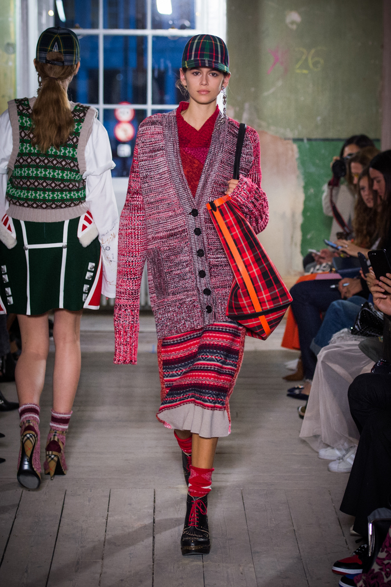 Burberry September 2017 Collection - Look 32_001.jpg