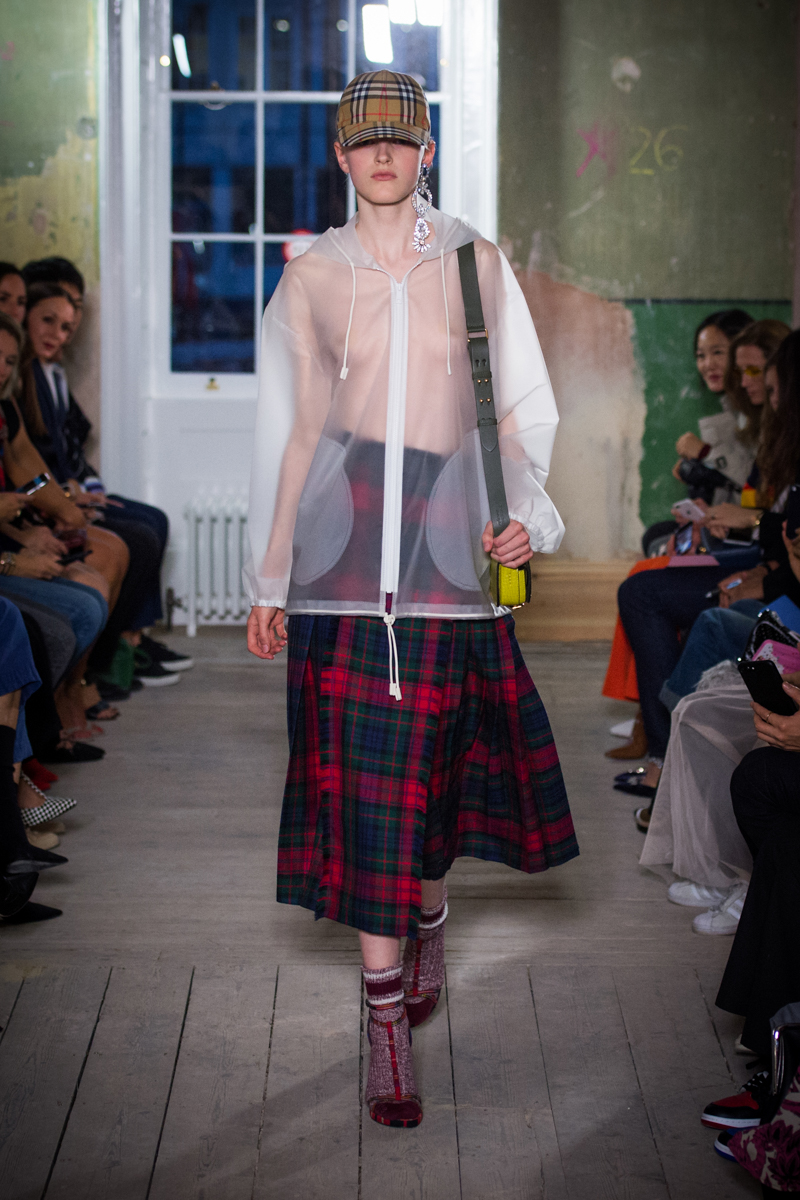 Burberry September 2017 Collection - Look 47_001.jpg