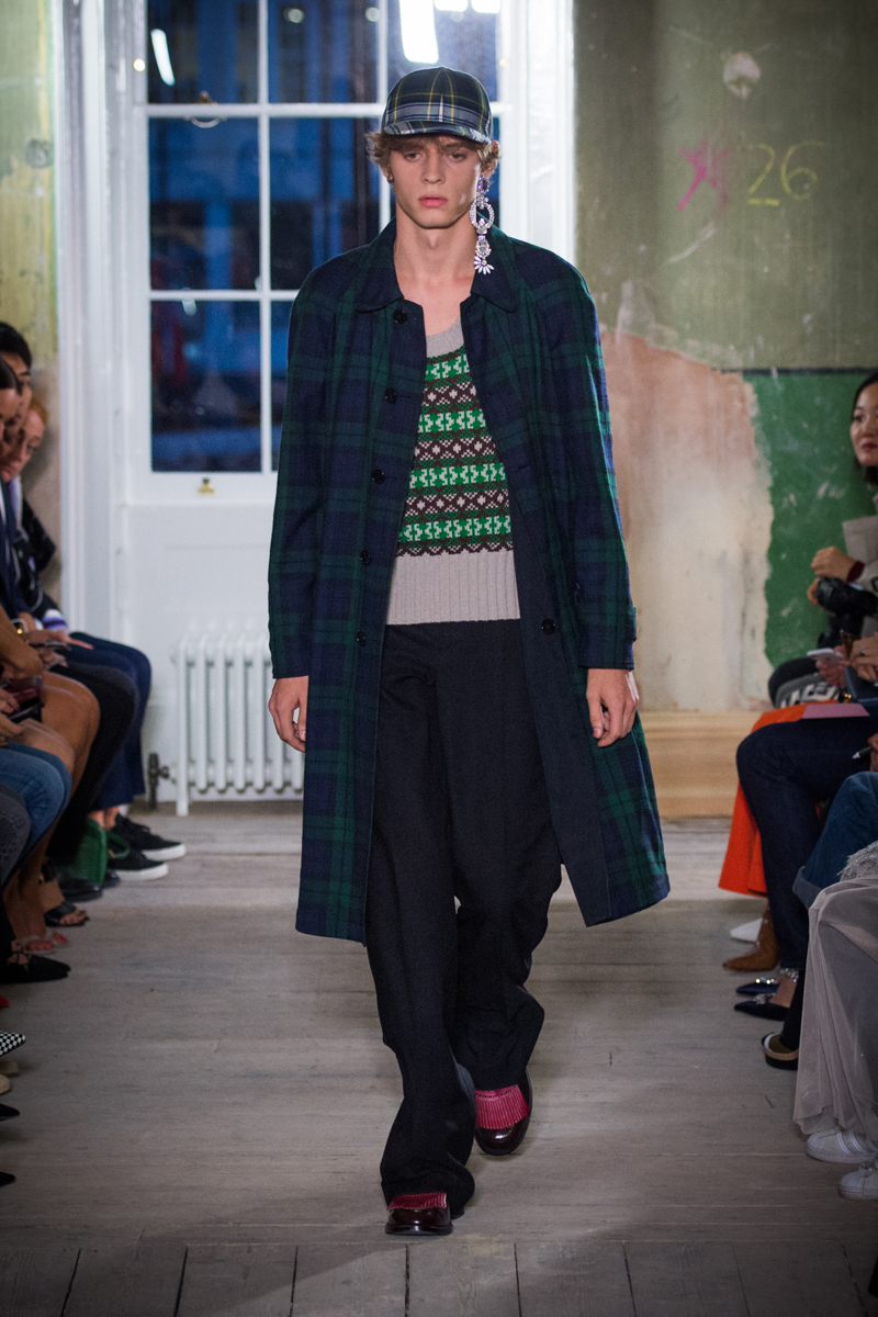 Burberry September 2017 Collection - Look 48_001.jpg