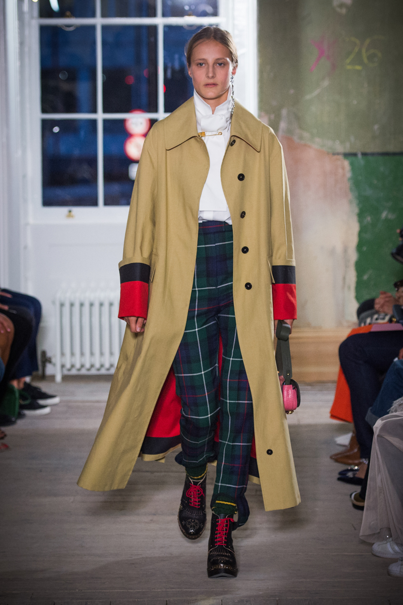 Burberry September 2017 Collection - Look 56_001.jpg