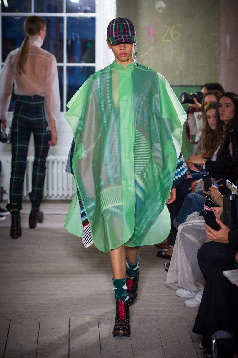 Burberry September 2017 Collection - Look 60_001.jpg