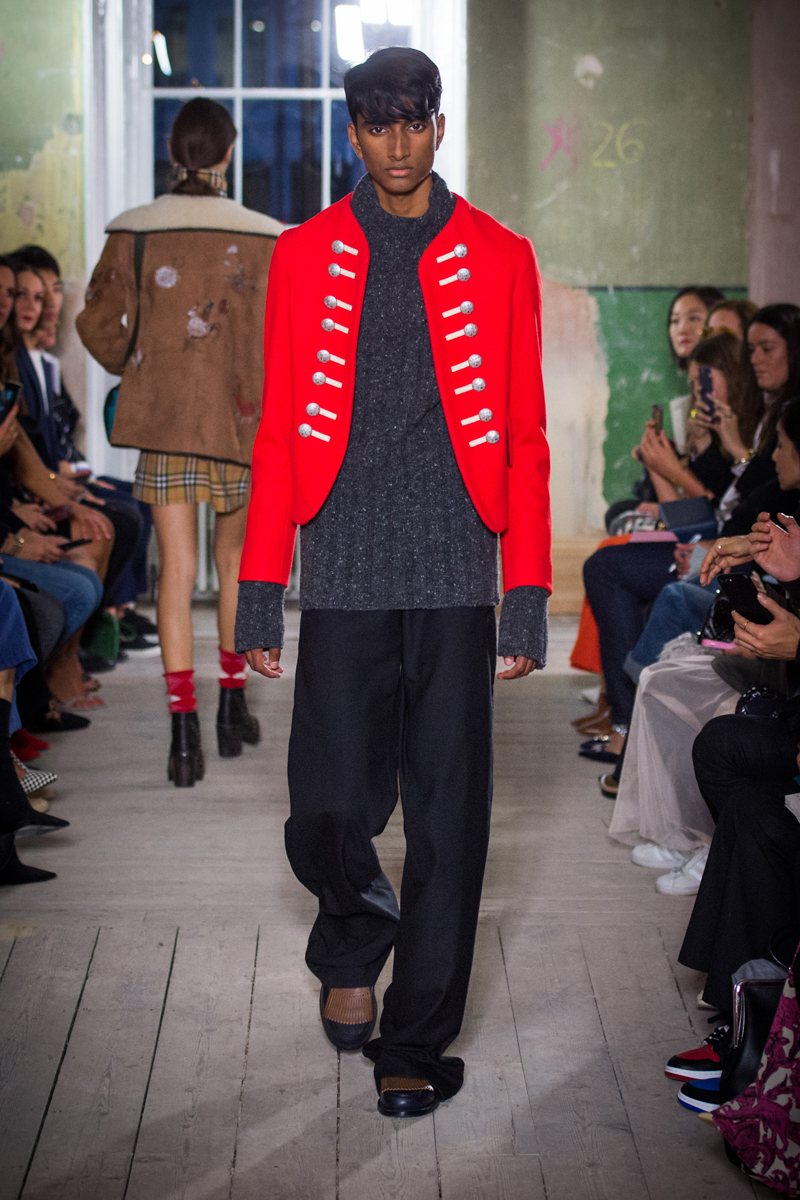 Burberry September 2017 Collection - Look 65_001.jpg