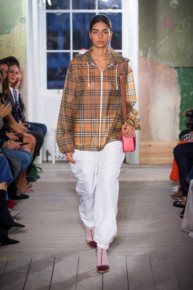 Burberry September 2017 Collection - Look 68_001.jpg