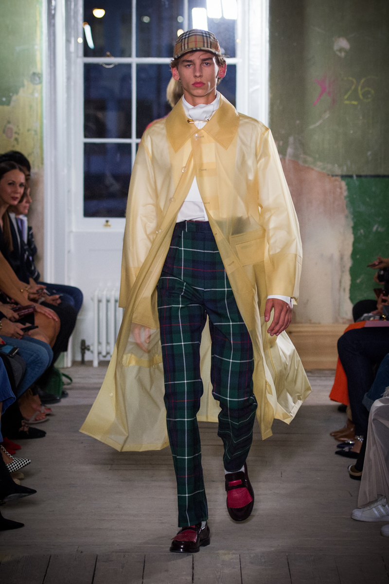 Burberry September 2017 Collection - Look 76_001.jpg