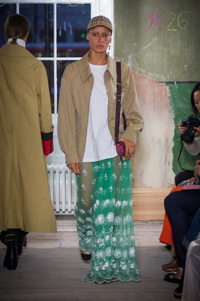 Burberry September 2017 Collection - Look 79_001.jpg