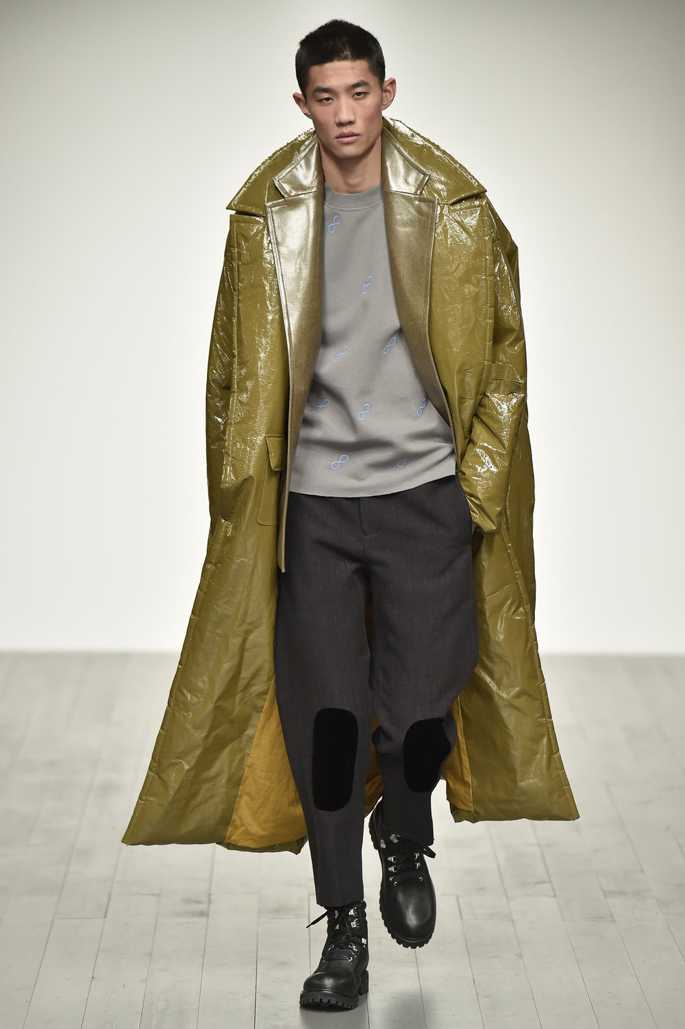 PRONOUNCE AW18-LOOK 28S.jpg
