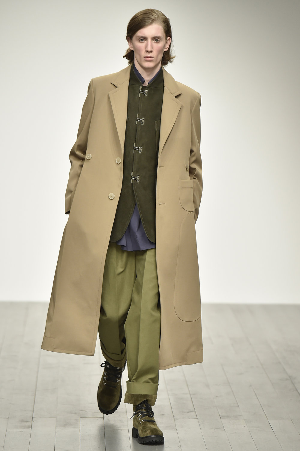 PRONOUNCE AW18-LOOK 31S.jpg