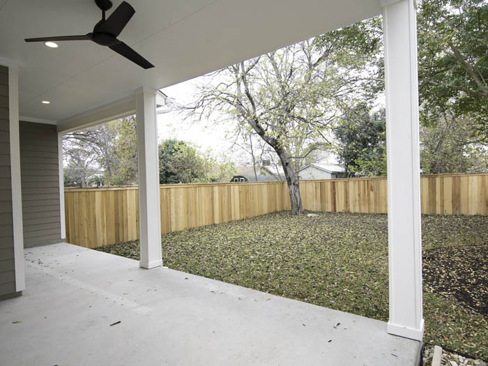5001-B-Woodrow-Exerior-BackPorch.jpg