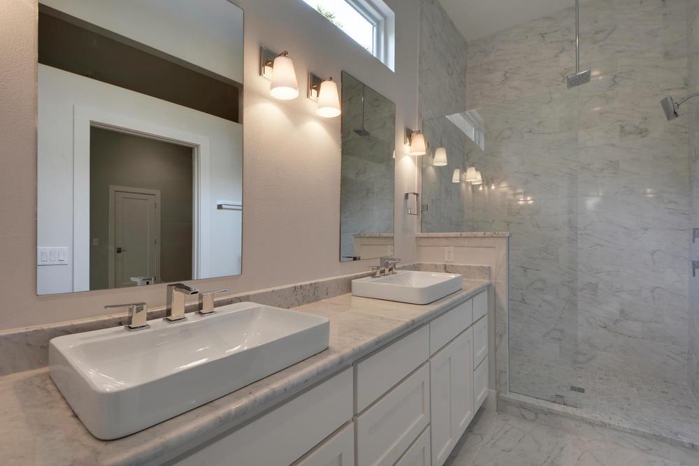 509 A  B Sacramento Dr-large-032-26-Master Bath Vanity Unit A-1499x1000-72dpi.jpg