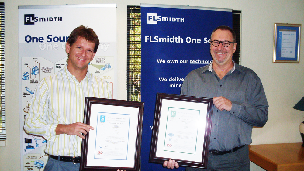 Alistair Calver (L), Director and General Manager, and René Camfferman, (R) Manager: Risk Department, FLSmidth South Africa