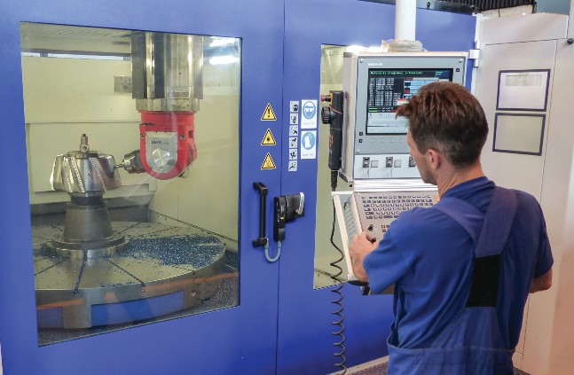 PRODUCTION OF A BEVEL PINION BY FIVE-AXLE MILLING MACHINE