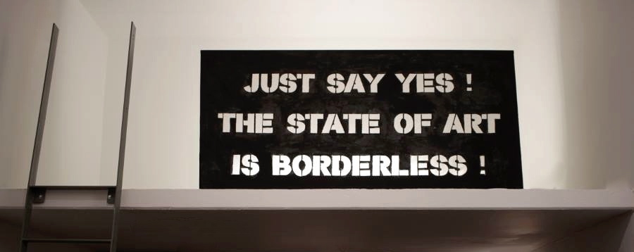 "SASCHA BOLDT // ""JUST SAY YES! THE STATE OF ART IS BORDERLESS"" // Hybride Malerei – Lichtobjekt // 2015"