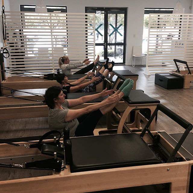 We don't just Teaser on Tuesday's!!! Only 5 spots left for Friday! 😳 Book now and feel guilt free when indulging this weekend 🍷🍺🥂 . . . . . #almosttheweekend #pilates #flexpilatessa #flexpilates #indulge #workout #fitness #capetown #southafrica #pilateslovers #reformerpilates #doitforyourcore #doitforyou #teasertuesday
