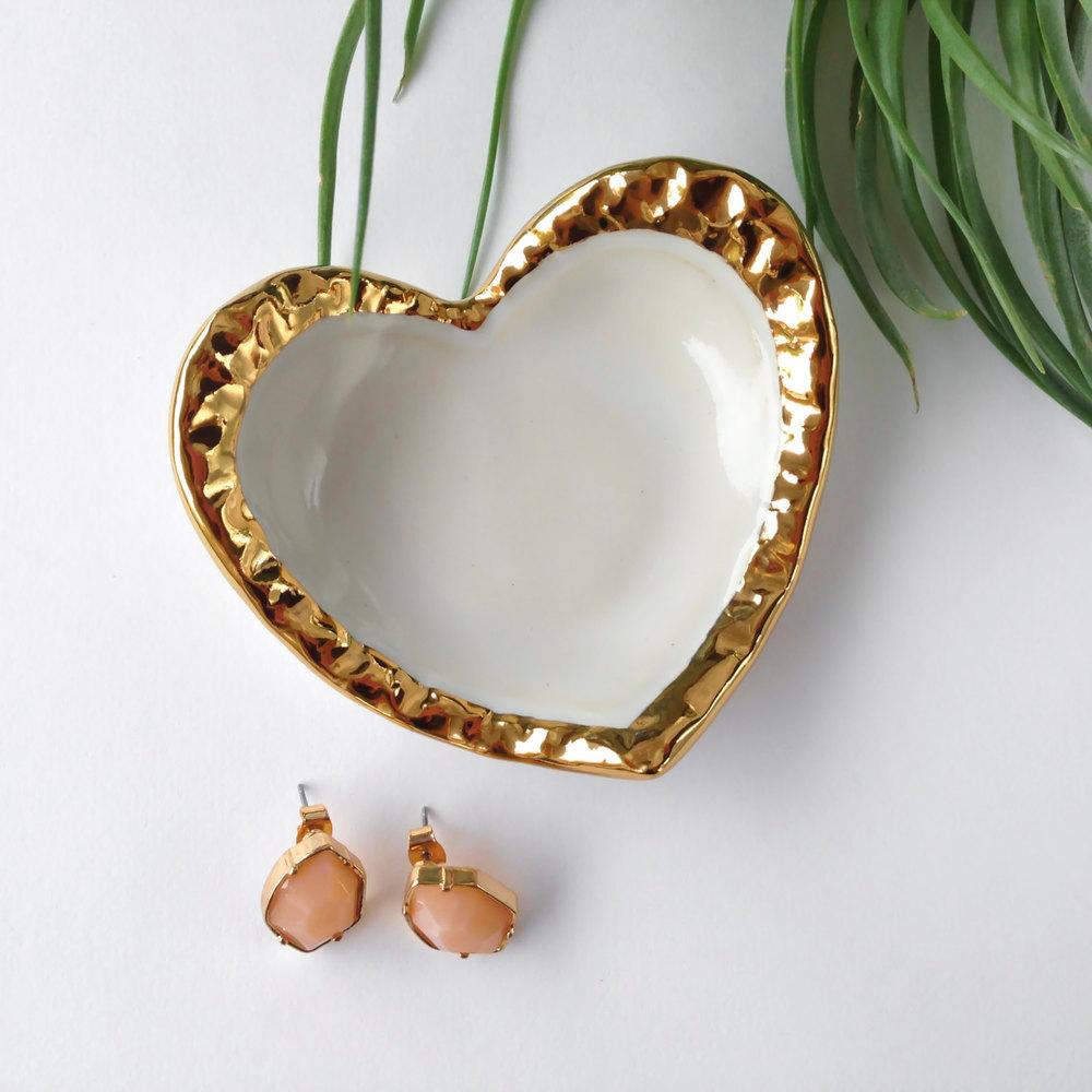 gold-border-heart1.jpg