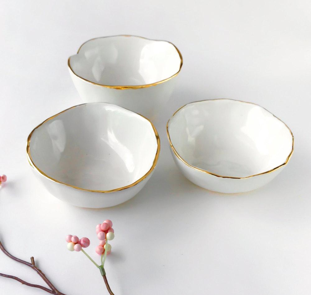 white-bowl-gold-rim1.jpg
