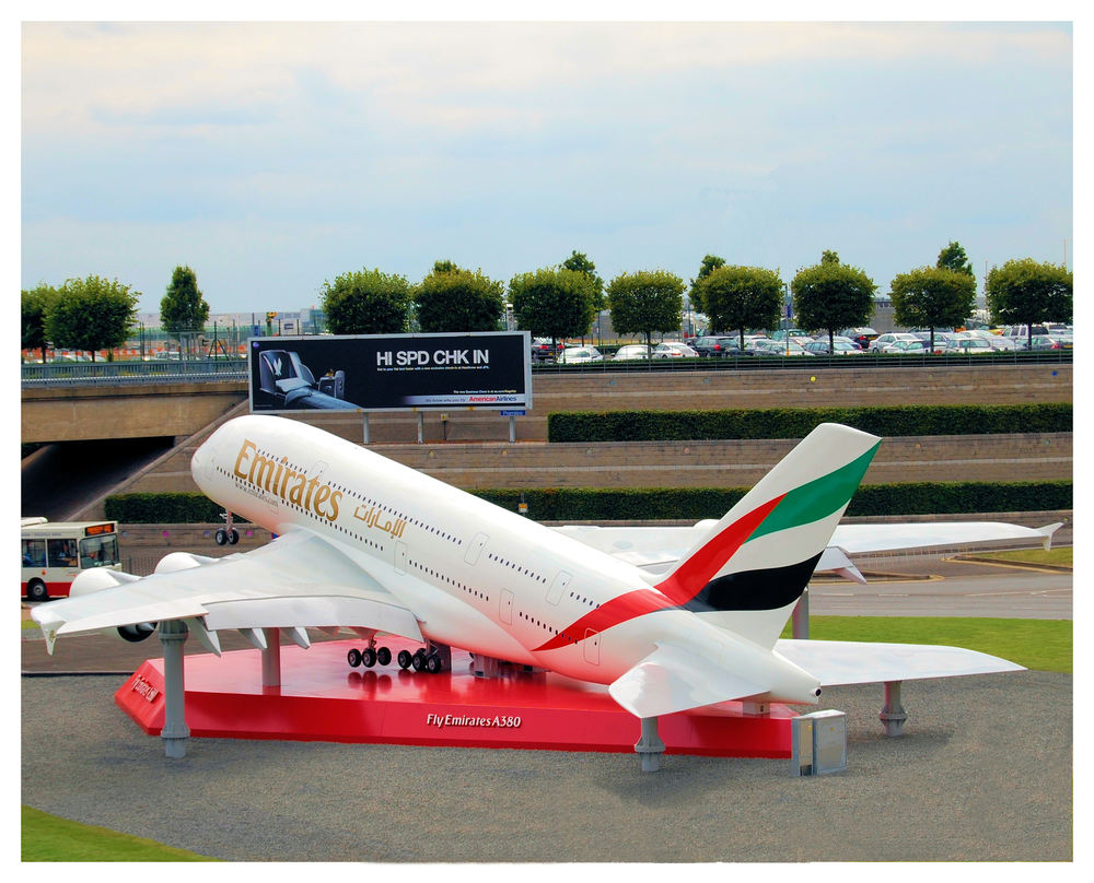Airbus A380, 1:3 Scale Display (80' wingspan) London Heathrow Airport
