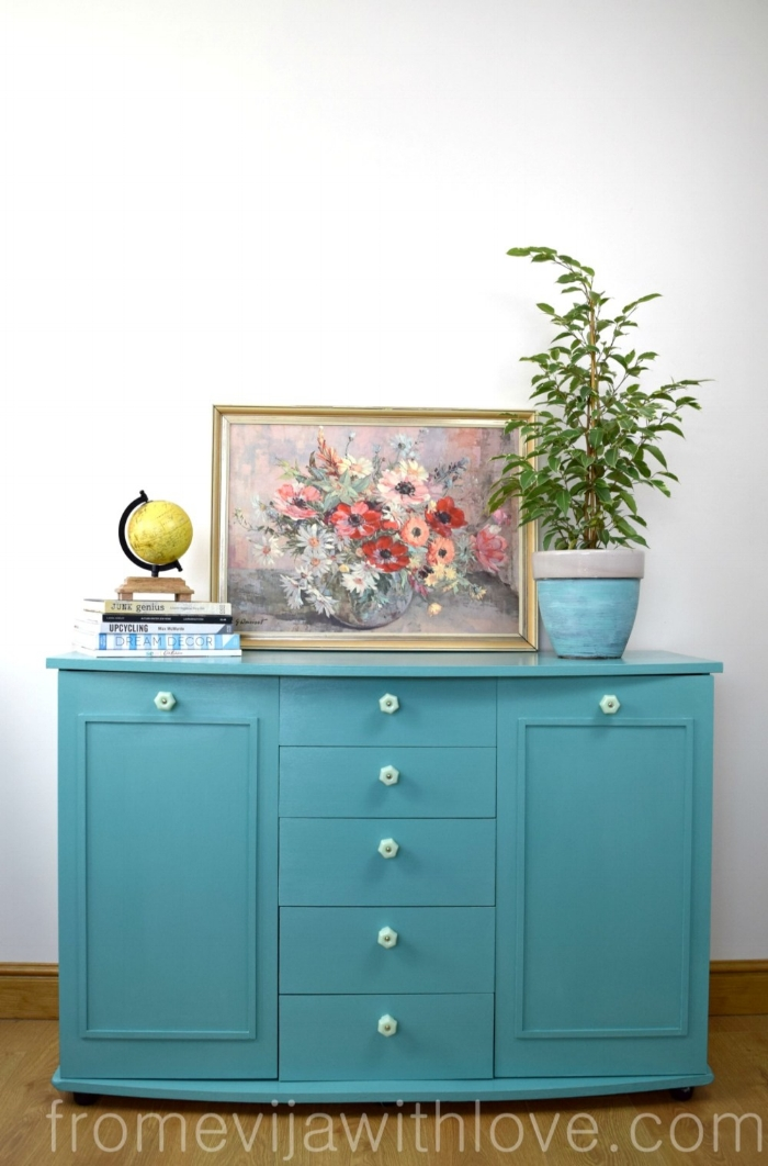 http://fromevijawithlove.com/2017/02/13/turquoise-furniture-makeover/