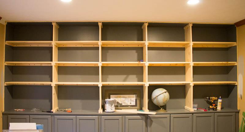 building builtin shelves -6.jpg