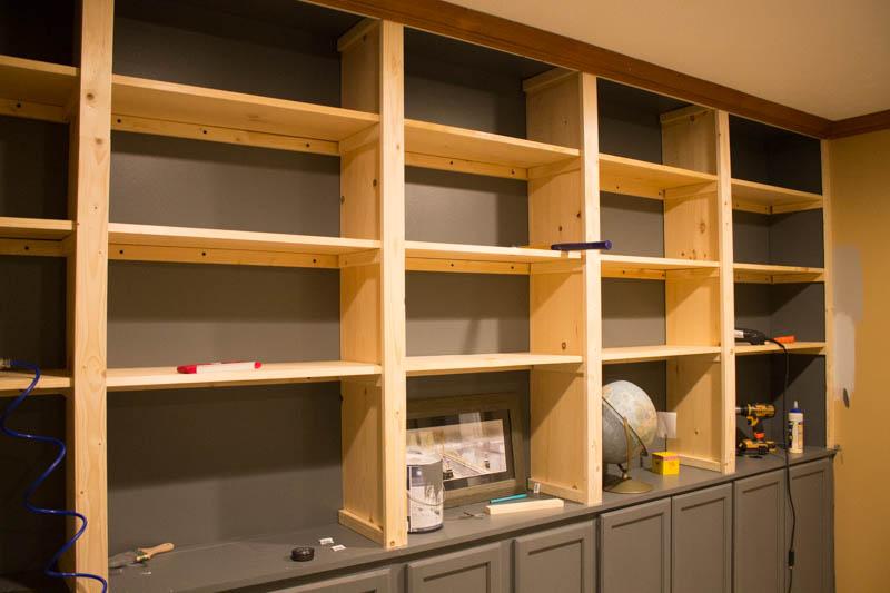 building builtin shelves -9.jpg