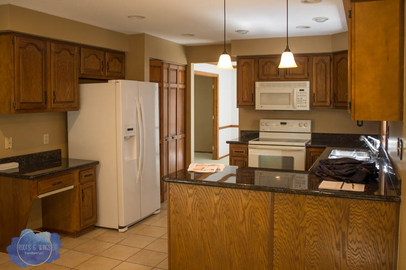 kitchen before -1.jpg