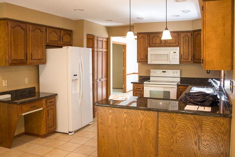 kitchen before no water -1.jpg