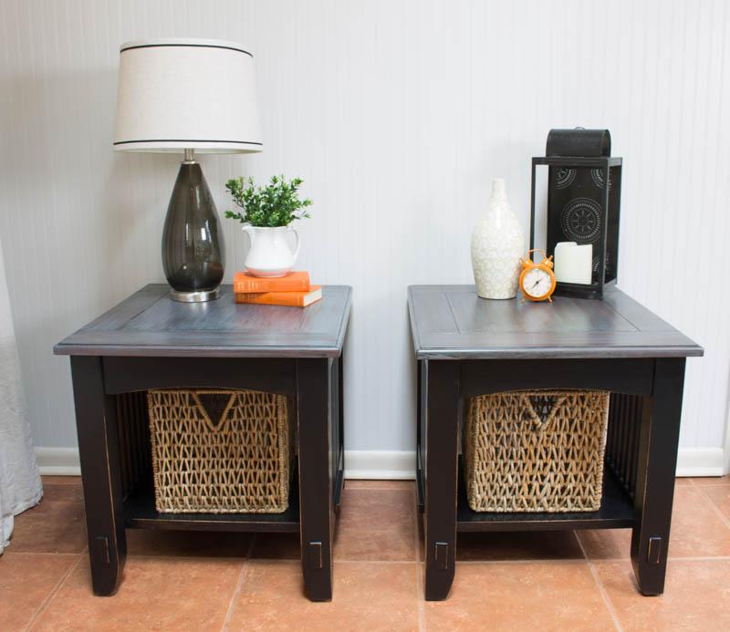 black end table styling -1.jpg