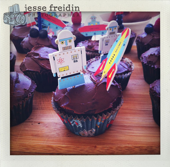Birthday Cupcakes from Outer Space