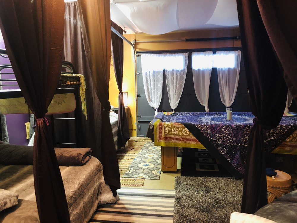 MAGIC LOUNGE WITH PRIVACY CURTAINS