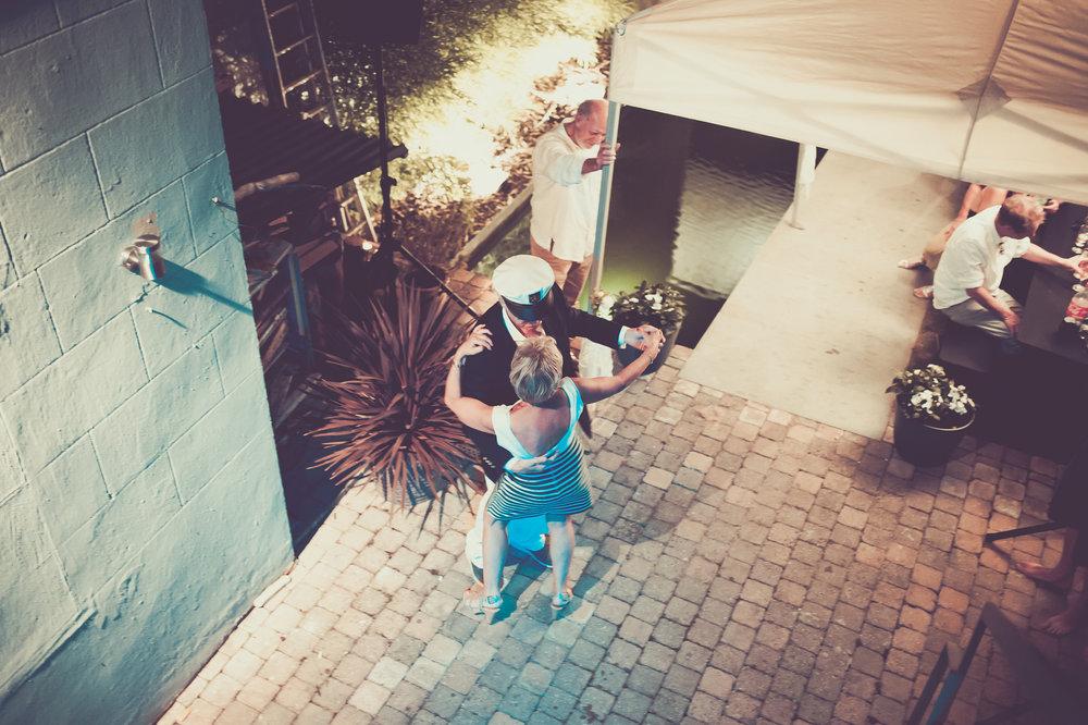 HuwelijksfeestMia&Leo_patriciavanrespaille (260 van 277).jpg