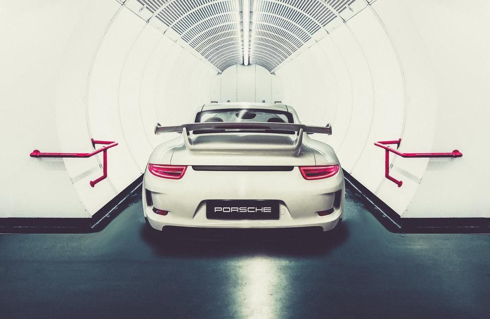 Porschebackz1.jpg