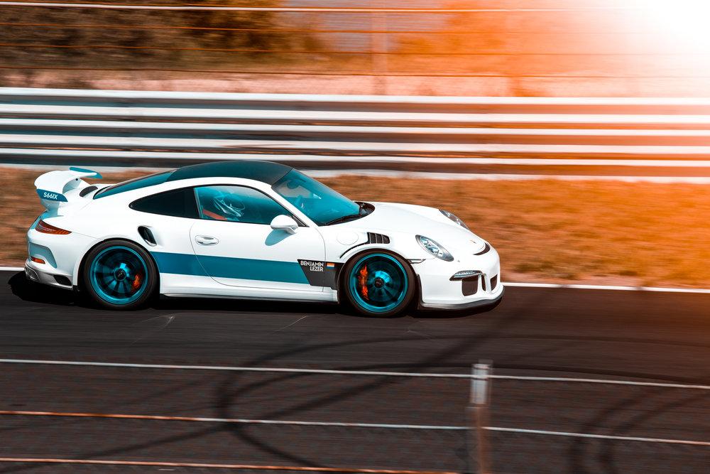 WhiteGT_Racingz.jpg