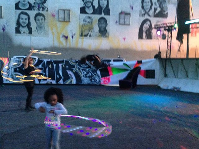 This little girl Is rocking the hula hoop! #firstfridaylv #hulahoop