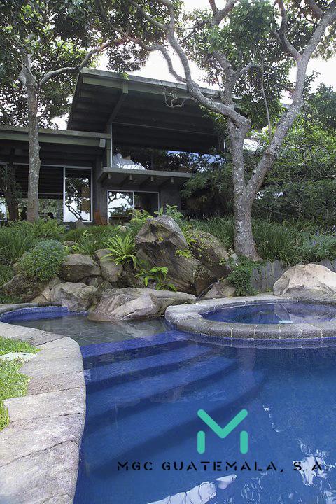 casa lago 1.jpg