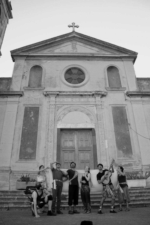 Preparing for opening night at the Piazza San Nicolò di Bari in Pezzolo