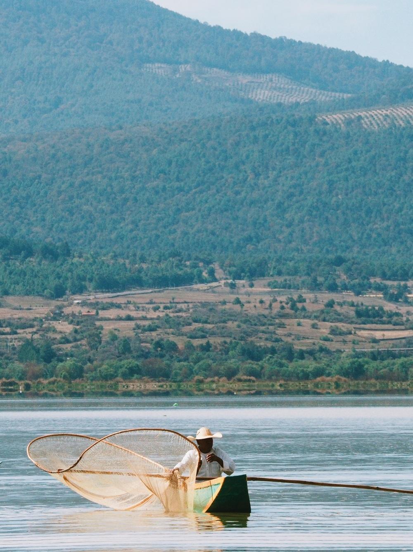 Butterfly fishing on Lago de Pátzcuaro