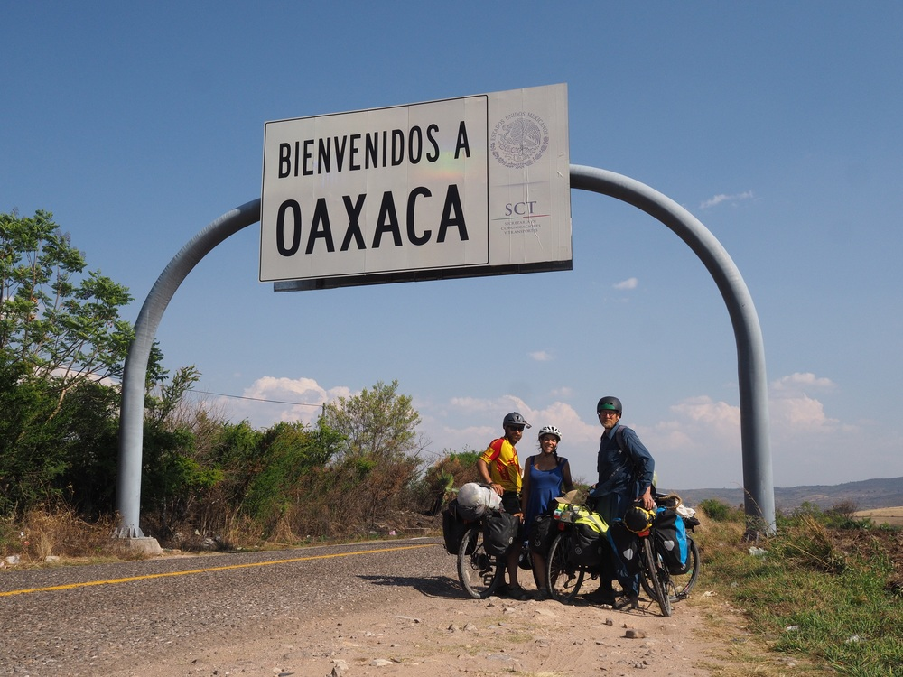 Crossing the state border into Oaxaca!