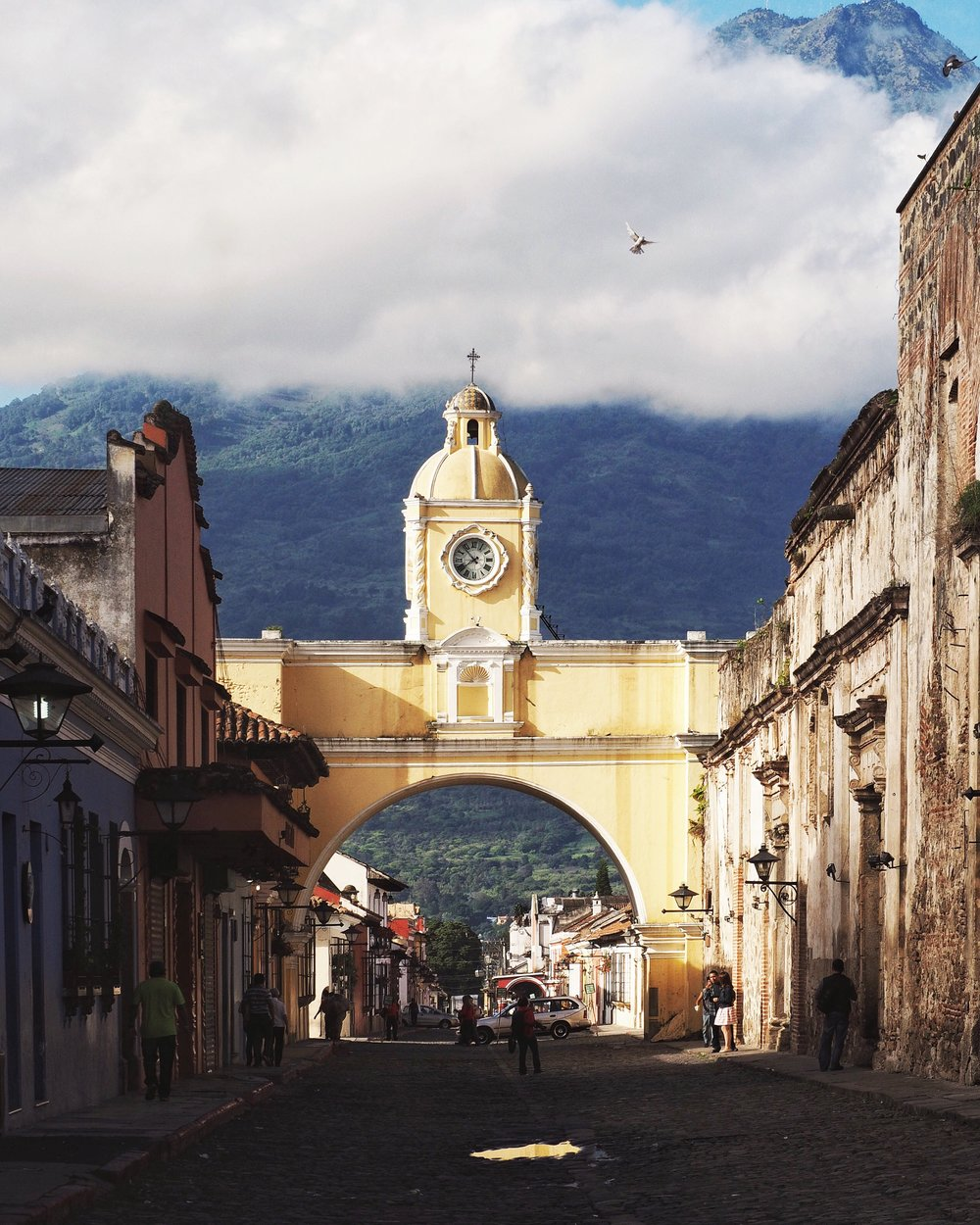 Antigua's picturesque, famous arch